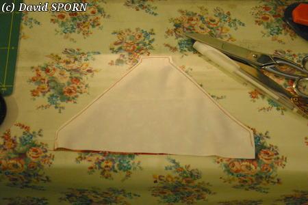 Les Sporniketeries (bustier avec tour de cou p4) - Page 4 20071114_tutoriel_bustier_06
